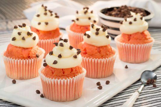 Strawberry Cannoli Cupcakes